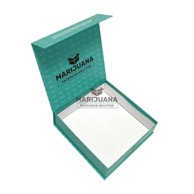magnetic-closure-gift-box